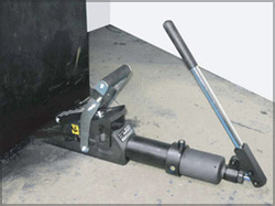 Equalizer's Lifting Wedge with Integral Hydraulic Pump